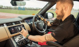 Cửa xe thông minh mới của Jaguar Land Rover là tin vui với người khuyết tật