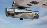 Gương chiếu hậu kỹ thuật số của Aston Martin tiên tiến ra sao?