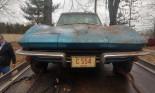 Chiếc Chevrolet Corvette Fuelie 1965 bị chôn vùi trong rác trong suốt hơn 50 năm