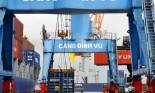 Xe ô tô Nissan mới toanh bị bỏ quên ở cảng Hải Phòng
