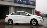 Vì sao Hyundai Accent 1.6 rẻ hơn 1.4?