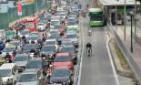 """Cấm xe máy, cấm ô tô và thói quen đi lại hình thành từ """"kinh tế vỉa hè"""""""
