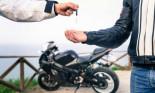 Tư vấn về việc đứng tên giúp mua xe máy