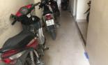 Mất xe máy tại phòng trọ, chủ nhà có phải đền bù không?