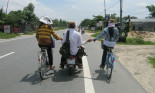 Xử phạt như thế nào đối với hành vi người điều khiển xe đạp bám, kéo, đẩy xe khác?