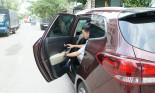 Từ chuyện đóng cửa xe đến phép lịch sự khi đi nhờ xe mà ít ai quan tâm