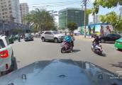 Cúi đầu cảm ơn khi được nhường đường: Hành động quý và hiếm ở Việt Nam