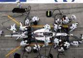 Bạn có biết: Chỉ 1 cái chớp mắt, lốp xe đua F1 đã thay xong