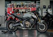 Cận cảnh Honda CB650R 2021 lung linh hơn với phong cách Retro