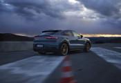 SUV mạnh nhất Porsche trình làng, đề pa mạnh hơn cả Lamborghini Urus