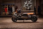 BMW ra mắt mô tô điện, tốc độ tối đa 120km/h, chạy được 130km một lần sạc
