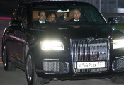 Tổng thống Putin trổ tài lái siêu xe Aurus trên đường đua F1