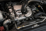 Vì sao các nhà sản xuất xe hơi Nhật Bản đồng loạt quay lưng với động cơ diesel
