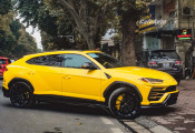 'Siêu SUV' Lamborghini Urus mới về Việt Nam của thiếu gia nhà bầu Hiển xuống phố