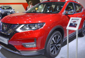 Nissan X-Trail 2018 mới ra mắt, kiểu dáng bóng bẩy hơn