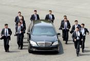 Ông Kim Jong Un mang siêu limousine Mercedes-Benz S600 đến Singapore gặp Tổng thống Mỹ