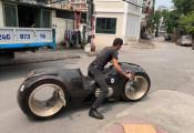 """Đức """"Tào Phớ"""" là người khui thùng chiếc Tron Light Cycle  2,7 tỷ mới về Việt Nam"""