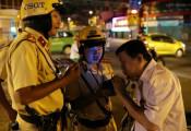 Cảnh sát giao thông Hà Nội giải thích việc thổi phạt nếu uống siro có cồn