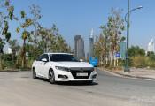 Sau ưu đãi hơn 300 triệu đồng, Honda Accord chạm đáy giá mới, chỉ còn hơn 1 tỷ đồng