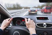 7 hành động sau khi ngồi lên ô tô cần tránh