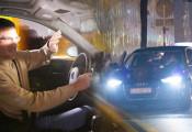 Lý do vì sao đèn pha ô tô quá sáng có thể gây ra hiện tượng mù tạm thời?