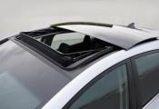 Xe mui trần, cửa sổ trời – nổi ám ảnh trong mùa nắng nóng