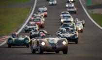 Jaguar giành chiến thắng kép ở giải đua xe cổ
