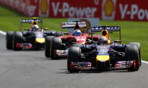F1: Mercedes bất hòa, Red Bull hưởng lợi