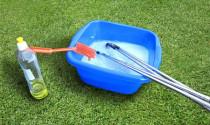 Golfer có chơi tốt hơn sau khi lau gậy golf ở mỗi vòng đấu