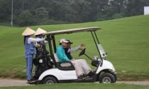 Vì sao xe chở người trong sân golf được định nghĩa là ô tô?