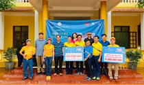 """CLB Golf Họ Nguyễn phía Nam quyên góp hơn 600 triệu từ quỹ """"Hướng Về Miền Trung"""""""