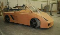 """""""Độc và lạ"""" Lamborghini Gallardo bằng... gỗ"""