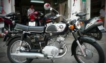 Honda CB175 đời 1968 'bóng bẩy' đất Sài Gòn