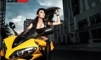 Người đẹp khoe cá tính bên Yamaha R1