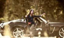 Siêu mẫu hút hồn bên Opel GT Convertible