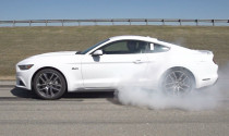 Đốt lốp cực đơn giản với Ford Mustang GT 2015