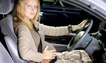 Phụ nữ mang thai lái xe vẫn an toàn hơn nam giới