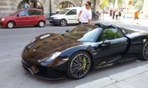Zlatan Ibrahimovic xuống phố cùng siêu xe Porsche 918 Spyder