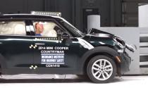 Mazda 5 bị điểm kém trong thử nghiệm an toàn