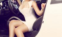 """""""Bỏng mắt"""" với chân dài khoe dáng bên Hyundai Veloster"""
