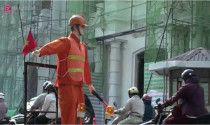 Video hot trong tuần: Robot điều khiển giao thông ở Sài Gòn