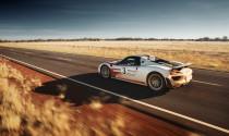 Porsche Spyder 918 phá vỡ giới hạn của chính mình