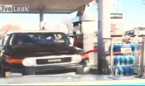 """Bắt """"sống"""" kẻ cướp xe SUV tráo trợn"""