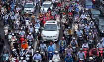 Xe máy vẫn là phương tiện phù hợp với giao thông Việt Nam