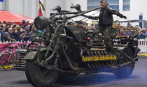 Siêu Motor gắn động cơ xe tăng 1000 mã lực
