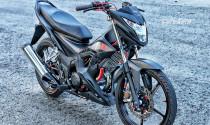 Honda Sonic đen tuyền nổi bật với dàn đồ chơi hàng hiệu