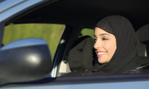 Ả-rập Xê-út bỏ lệnh cấm phụ nữ lái xe