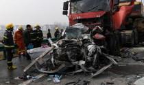 Phóng viên bị sa thải khi chụp ảnh tươi cười tại vụ tai nạn nghiêm trọng
