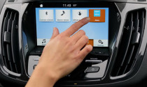 Nguy cơ rò rỉ thông tin cá nhân khi kết nối điện thoại với xe đi thuê