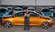 Ông già gân độ Toyota Vios thành xe 2 đầu